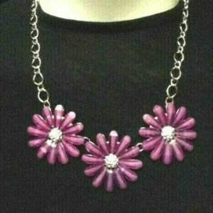 Jewelry - Magenta  Flowers Costume Fashionable Necklace